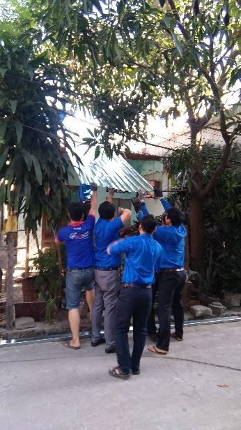 Hòa Khánh Bắc sửa chữa nhà cho Đoàn viên có hoàn cảnh khó khăn