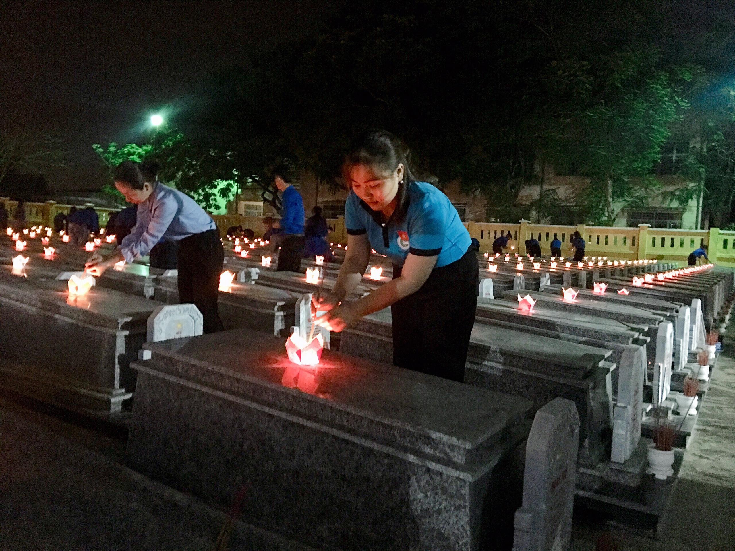 Hòa Hiệp Nam tổ chức tọa đàm và thắp nến tri ân